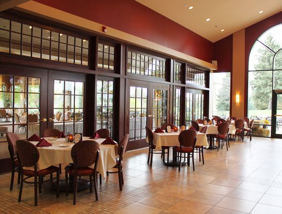 Terry Hills Golf Course & Banquet Facility: Bar and Grill Room
