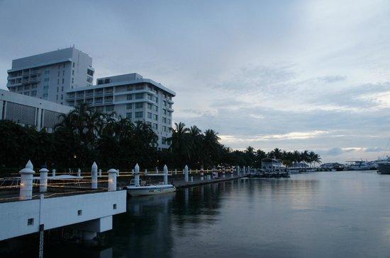 Sutera Harbour Resort (The Pacific Sutera & The Magellan Sutera): Вид со стороны яхтклуба