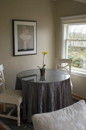 Fairholme Manor: Breakfast Nook