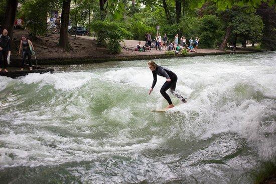 Jardín inglés: Речные серфингисты