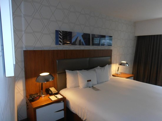 Doubletree Hotel Metropolitan - New York City: King bed room