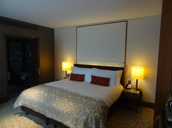 The Ritz-Carlton, Vienna: comfy bed