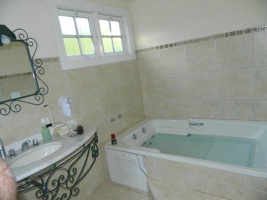Pousada Villa Allegra : Banheiro do quarto