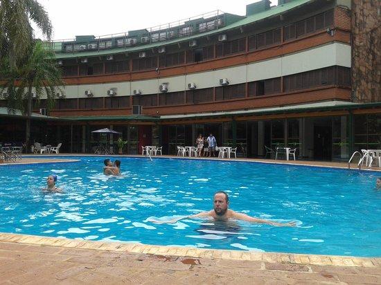 El Libertador: linda piscina