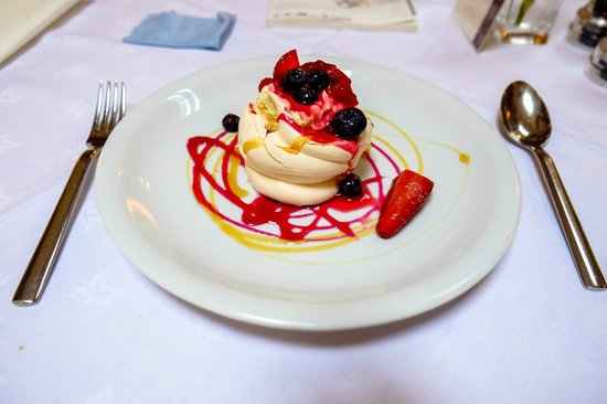The Mill House Inn: My yummy Pavlova