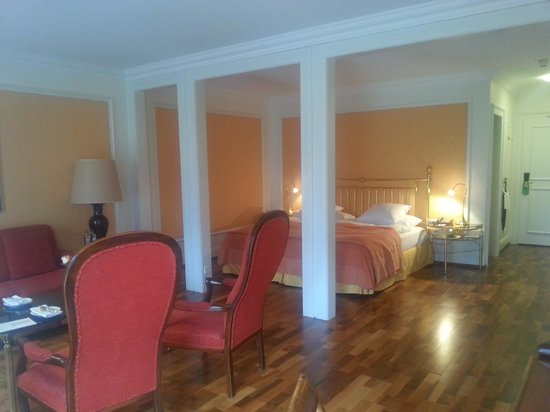 Victoria Jungfrau Grand Hotel & Spa: Junior Suite on the 3rd floor facing the mountains