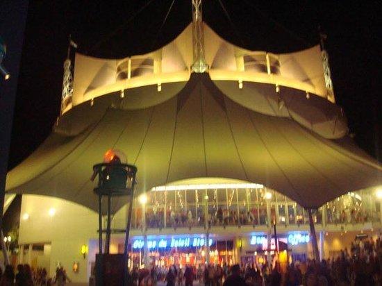 La Nouba - Cirque du Soleil: Tremendo y Unico...