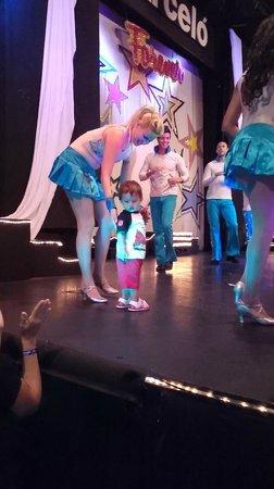 Hotel Barcelo Ixtapa Beach Resort: Con una de las chicas del balet