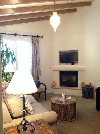 Cypress Inn : Beautiful King Bed Suite