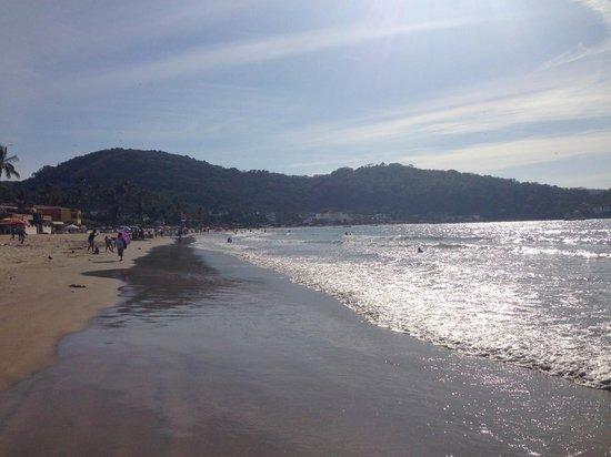 Hotel Decameron Los Cocos : Resort Beach