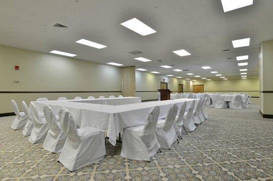 Quality Inn : Banquet Room