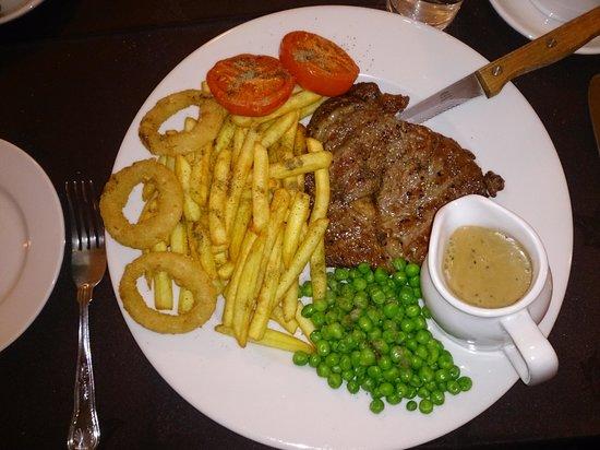Mansfield Lodge Hotel: Dinner was very nice