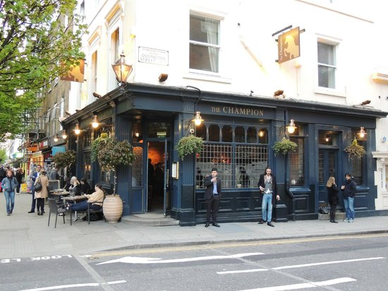 The Champion, Notting Hill: THE CAMPION TAVERNE