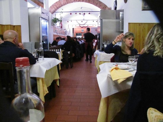 Trattoria La Casalinga: One of the inner dining rooms