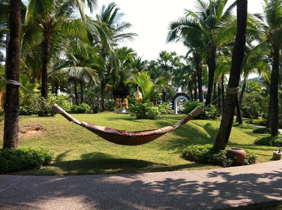 Bandara Resort & Spa: garden