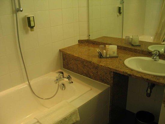 Hotel Gutenberg : Hôtel Gutenberg - bathroom