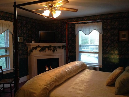 Riverside Inn Bed and Breakfast : Silver Cascade Room
