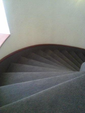 Hotel Imperial Reforma: Evacuation Route - Spiral stairs only