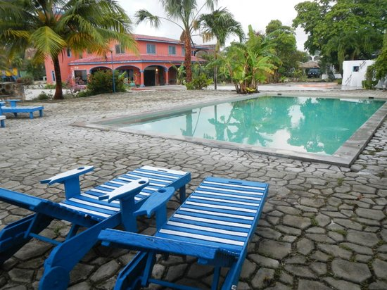The Inn at Corozal Bay: The pool is great for just relaxing.