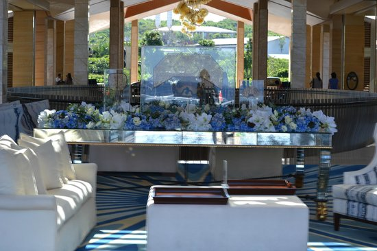 Mulia Resort: lobby
