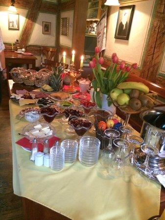 Hotel Gerberhaus: Breakfast Buffet was remarkable - fresh & nice variety