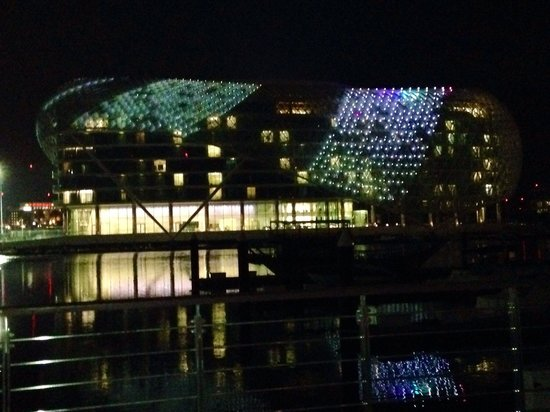 Yas Viceroy Abu Dhabi: Night view
