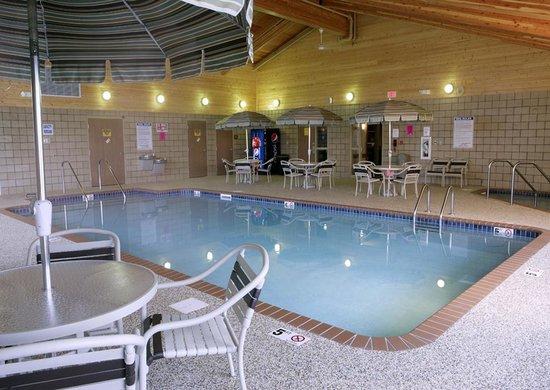 AmericInn Lodge & Suites Anamosa: Indoor Pool and Hot Tub