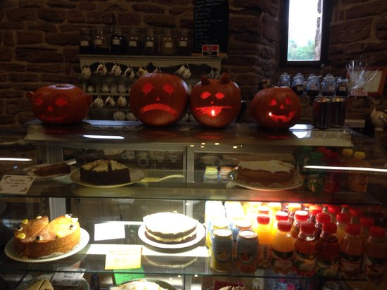 Beauvale Priory Tearooms: Halloween
