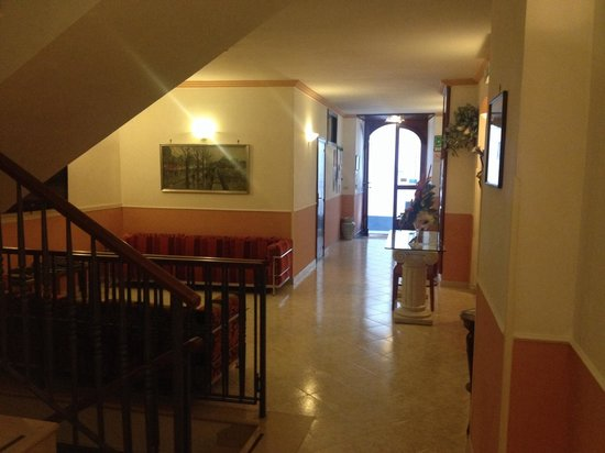 Hotel Amalfi: Hall