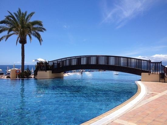 Bahia Principe Costa Adeje : one of the many pools...