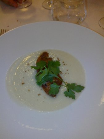 Le Peyragude : Velouté de topinambours au foie gras poêlé