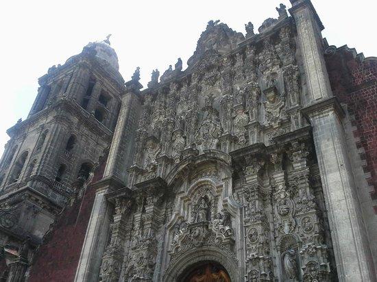 Metropolitan Cathedral (Catedral Metropolitana): Impressive Architecture.