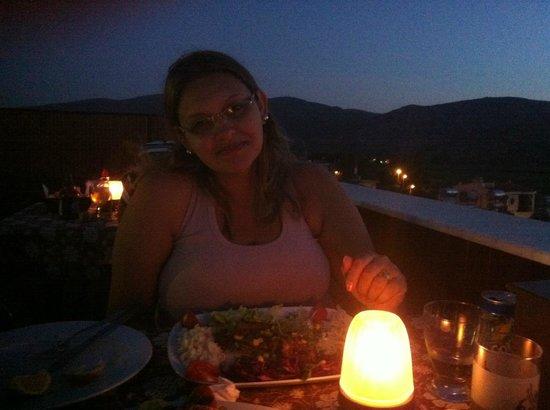 Canberra Hotel: Jantar no terraço do hotel, boa comida, ambiente agradável!