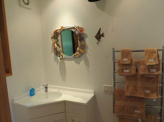 Fantail Lodge : bathroom