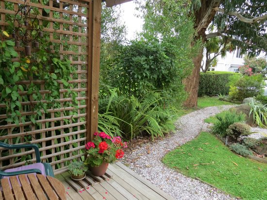 Fantail Lodge : garden