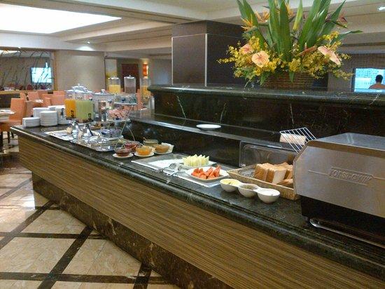 Breakfast - Picture of Sunway Putra Hotel, Kuala Lumpur