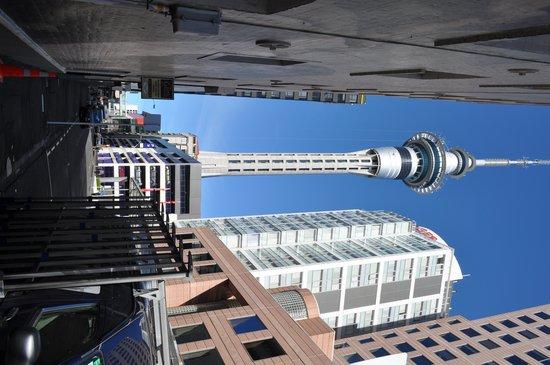 SKYCITY Hotel: SKY Tower