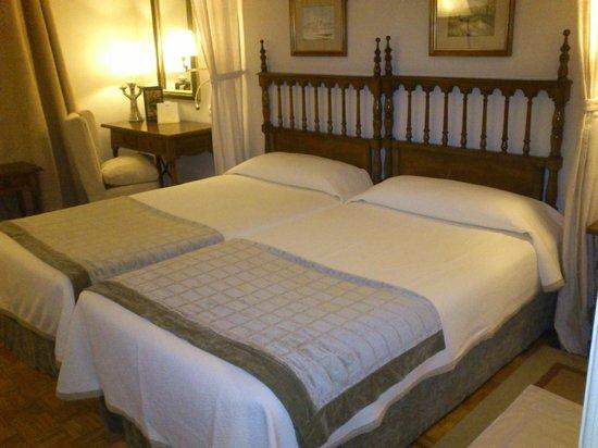 Parador de Teruel: habitación