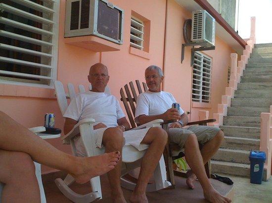 Casa Leyani y Osvedy : Amigos