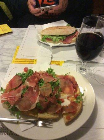 Gelateria Enrica: Bruschette with Prosciutto Parma, ruccola and mozzarella.