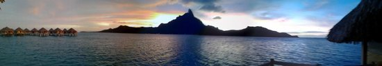 Le Meridien Bora Bora : Sunset view from the OWB