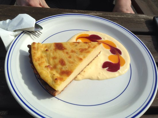 The Rose Garden B&B and Café: Custard slice
