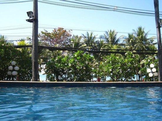 Jomtien Palm Beach Hotel & Resort: водичка
