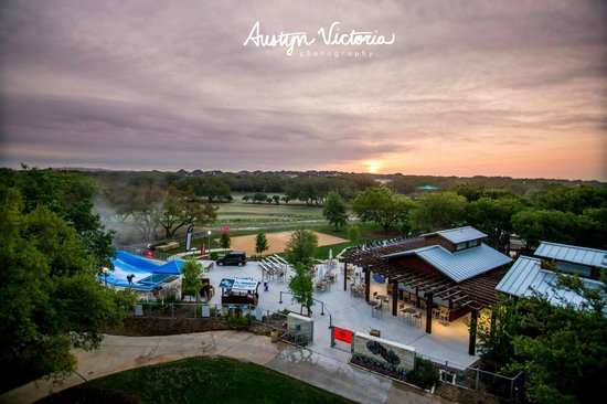Hyatt Regency Hill Country Resort and Spa : Overview of Edge Falls