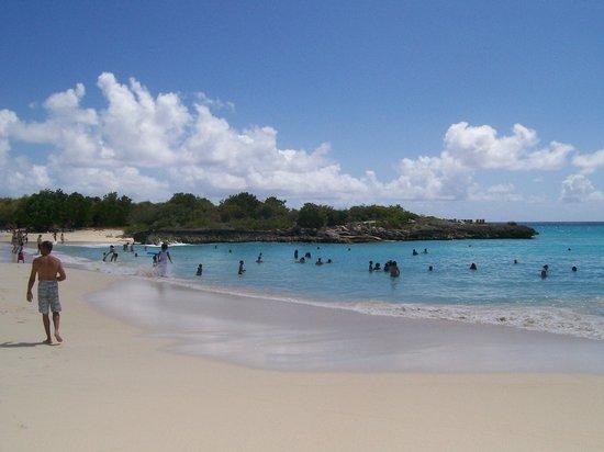 Mullet Bay beach 2