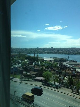 Radisson Blu Hotel, Istanbul Pera: view from the hotel (superior room)