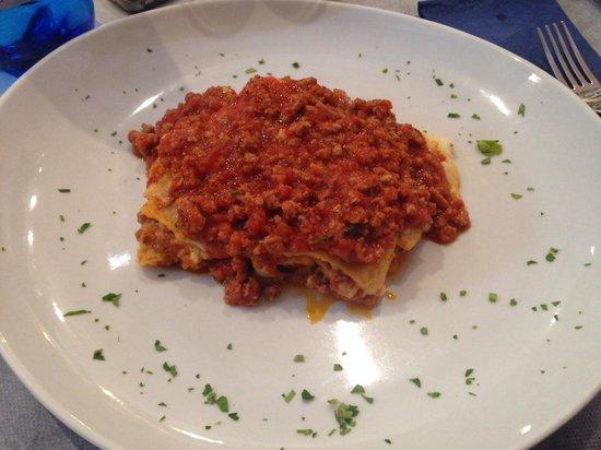 Il Pozzo Lungo: Lasagne fatte in casa, porzione abbondante e buonissime.