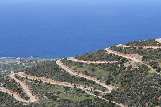Aquila Rithymna Beach Hotel : Views in the mountains