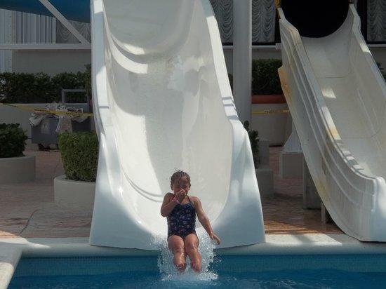 Crown Paradise Club Cancun: Water slide