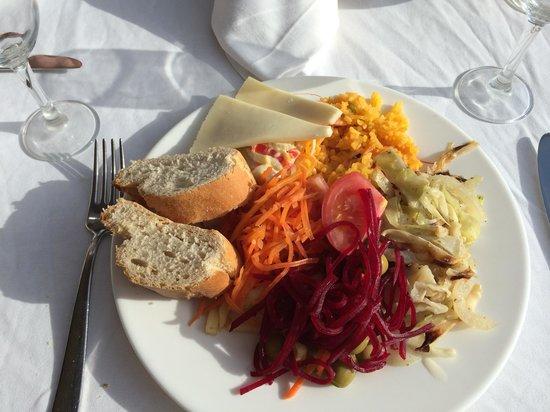 Hotel  Arenas del Mar: Lovely fresh food :)